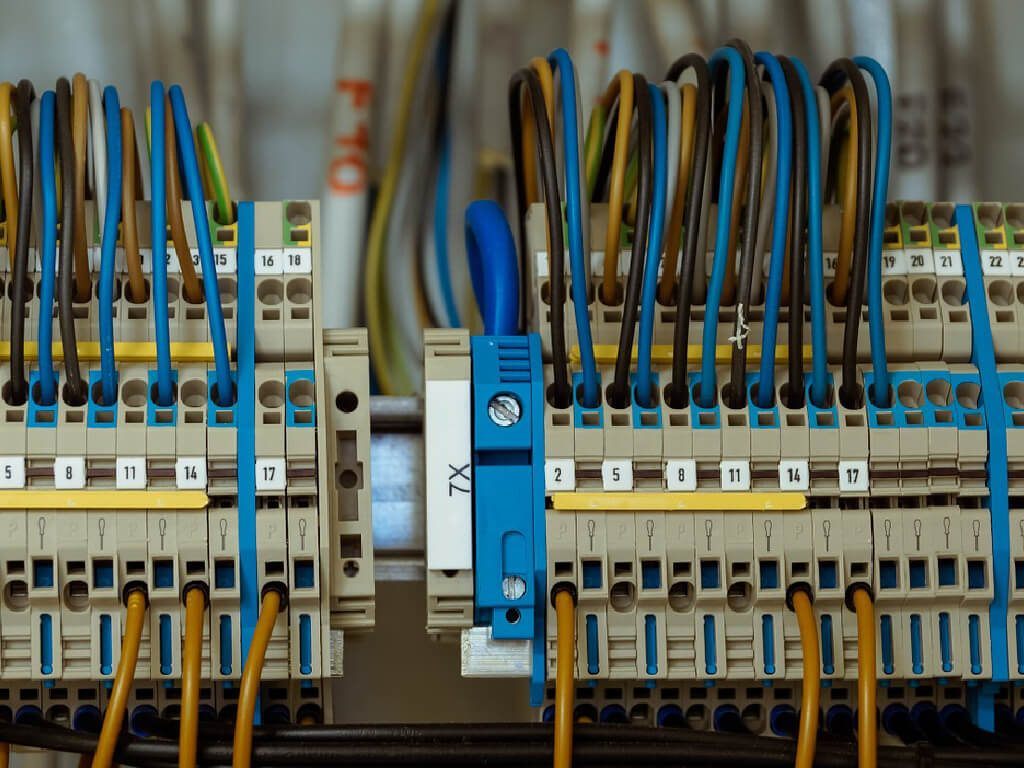 TARE Sp. z o.o. | Fotowoltaika - Instalacje elektryczne
